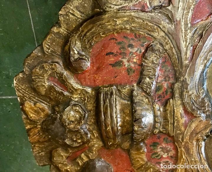 Antigüedades: Cabezal, cabecero de cama tallado en madera, policromado y dorado. Inmaculada Concepción. Siglo XVII - Foto 14 - 149315373