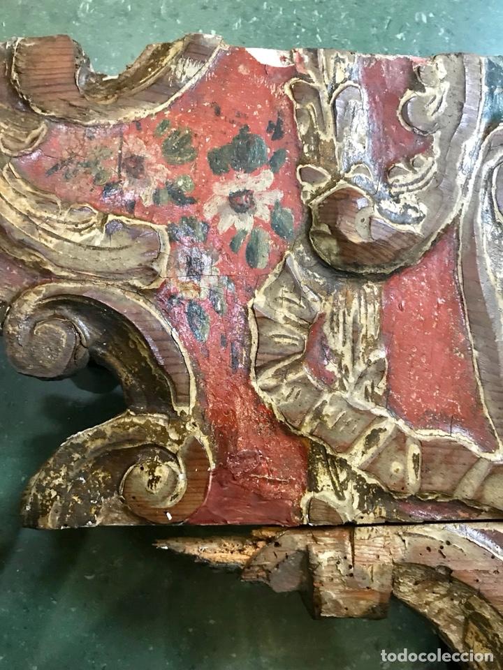 Antigüedades: Cabezal, cabecero de cama tallado en madera, policromado y dorado. Inmaculada Concepción. Siglo XVII - Foto 15 - 149315373