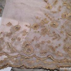 Antigüedades: MANTELETA 2 JUEGO FALLERA LABRADOR. CIRCA 1920.. Lote 149323042