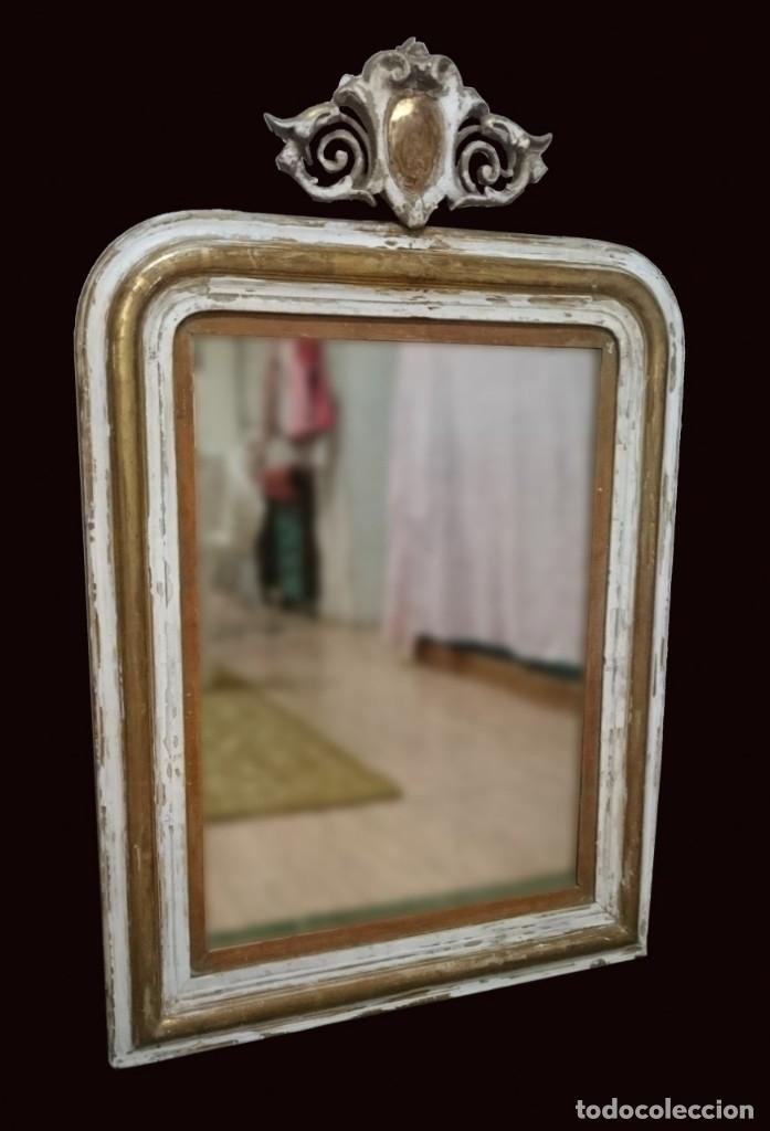 ANTIGUO ESPEJO ISABELINO DORADO AL ORO FINO CON RESTOS DE ESTUCO. COPETE. MADERA DE PINO. 97X62 CM (Antiques - Antique Furniture - Old Mirrors)