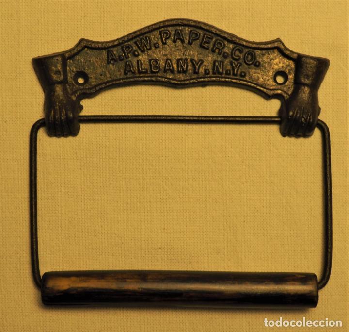PORTARROLLOS W.C. A.P.W. PAPER. CO. - ALBANY. N.Y. U.S.A. TOILET PAPER HOLDER (Antigüedades - Técnicas - Rústicas - Utensilios del Hogar)