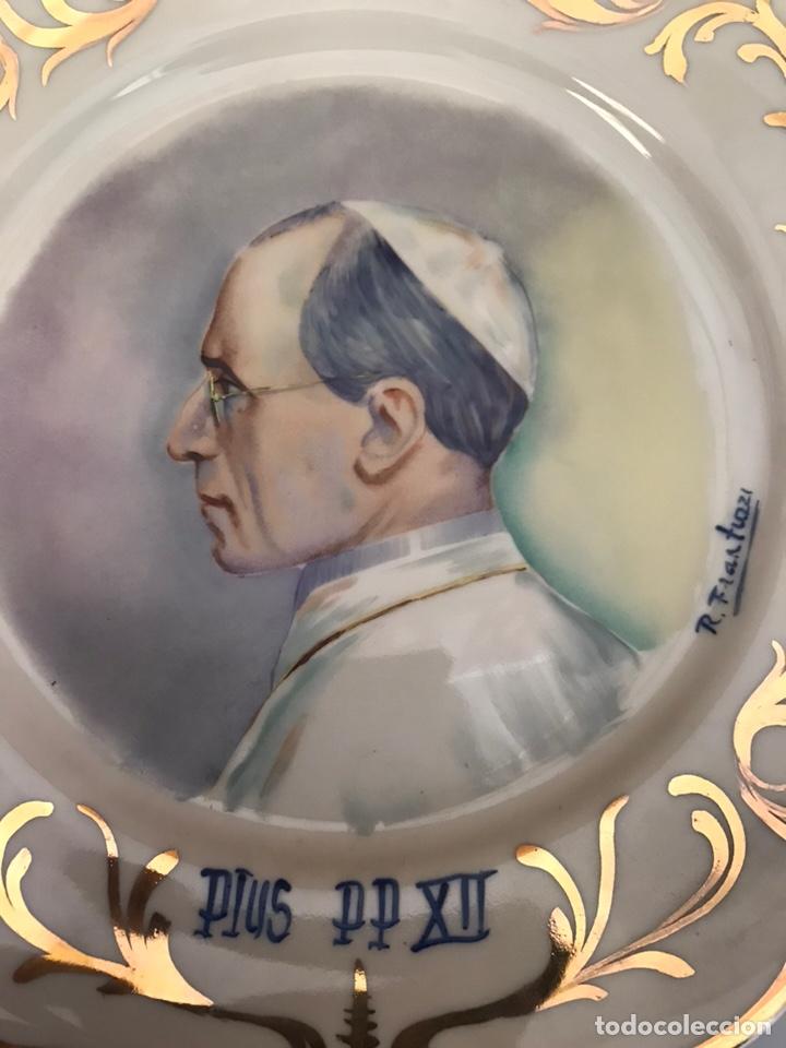 Antigüedades: Antiguo plato pintado a mano - Foto 3 - 149395580