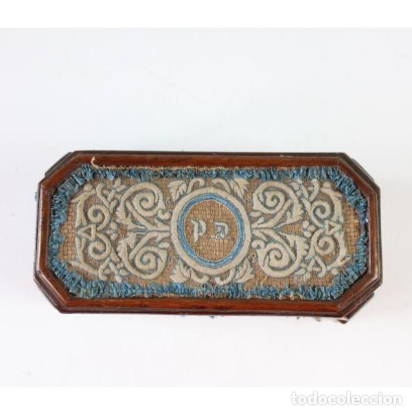 Antigüedades: Antigua caja joyero de madera forrada - Foto 3 - 149397982