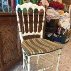 Antigüedades - Preciosa silla antigua de madera torneada, con tapizado en terciopelo. Ver medidas - 149463502