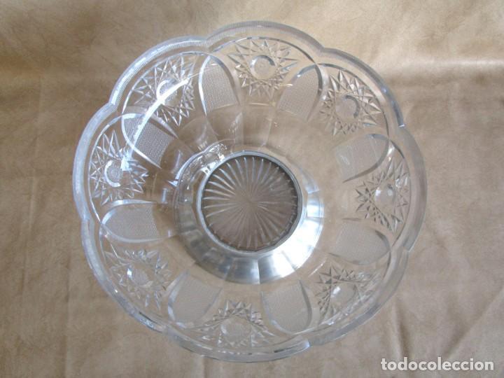 Antigüedades: centro de mesa o frutero cristal bohemia tallado con base de plata - Foto 3 - 149563438