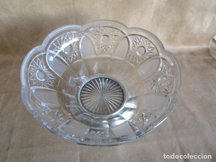 Antigüedades: centro de mesa o frutero cristal bohemia tallado con base de plata - Foto 9 - 149563438