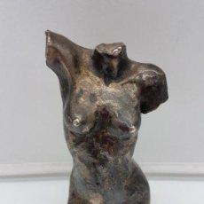Antigüedades: HERMOSO BUSTO ANTIGUO FEMENINO DE ESTILO GRECO ROMANO RECUBIERTO EN PLARA DE LEY.. Lote 149590842