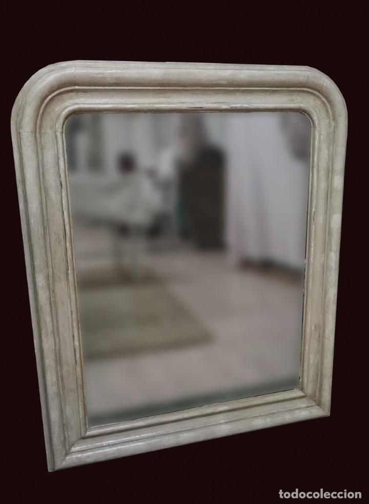 ANTIGUO ESPEJO ISABELINO DE MADERA DE CAOBA RUBIA, LACADO EN NEGRO. SIGLO XIX. LEER. 95X79 CM (Antigüedades - Muebles Antiguos - Espejos Antiguos)