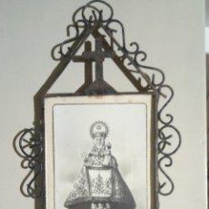 Antigüedades: POSTAL VIRGEN COVADONGA MARCO HIERRO FORJADO. Lote 149732437