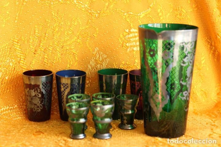 Antigüedades: JARRA , VASOS Y COPITAS DE CRISTAL VERDE DE BOHEMIA PINTADAS EN PLATA - Foto 10 - 149796386