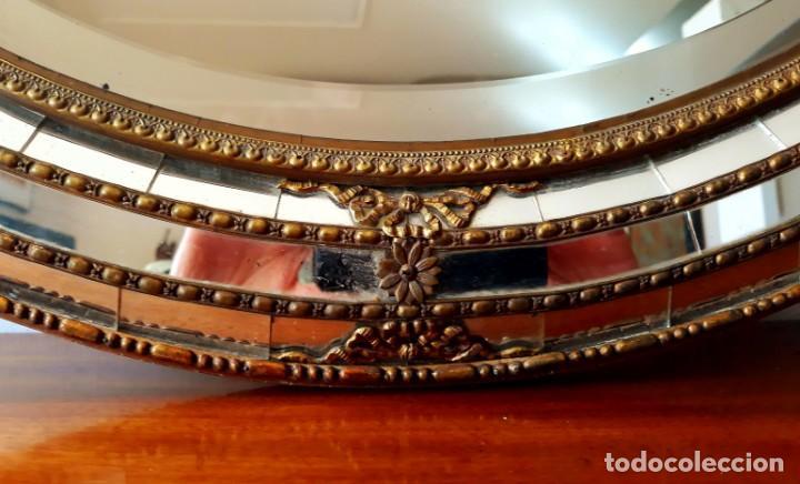 Antigüedades: Gran Espejo Antiguo Años 40. Posiblemente España o Francia. Con decoración en Latón. - Foto 7 - 149811750