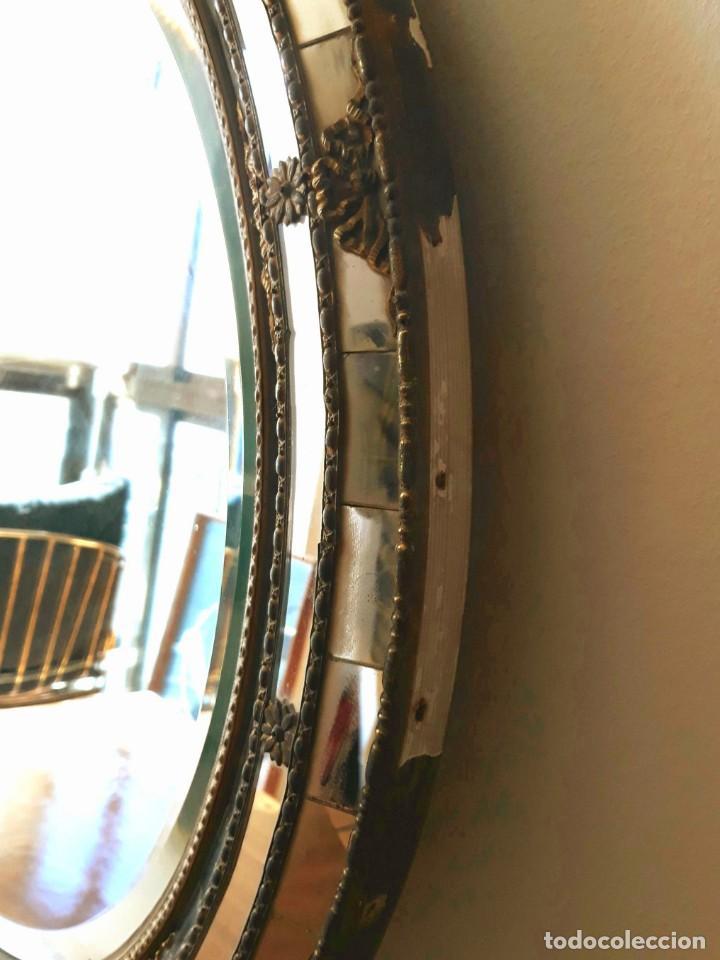 Antigüedades: Gran Espejo Antiguo Años 40. Posiblemente España o Francia. Con decoración en Latón. - Foto 9 - 149811750