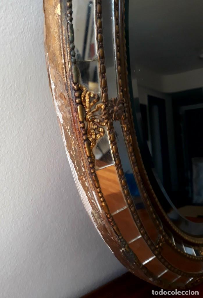 Antigüedades: Gran Espejo Antiguo Años 40. Posiblemente España o Francia. Con decoración en Latón. - Foto 10 - 149811750