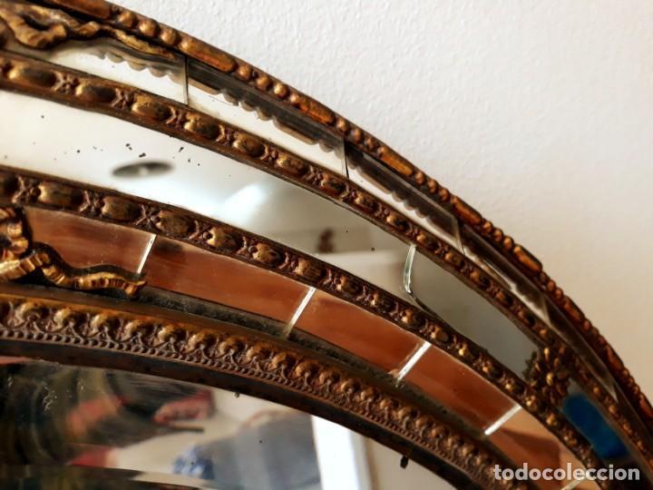 Antigüedades: Gran Espejo Antiguo Años 40. Posiblemente España o Francia. Con decoración en Latón. - Foto 11 - 149811750