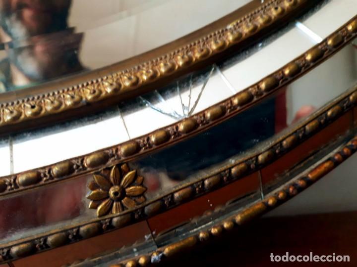 Antigüedades: Gran Espejo Antiguo Años 40. Posiblemente España o Francia. Con decoración en Latón. - Foto 12 - 149811750