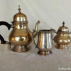 Antigüedades: JUEGO DE CAFÉ O TÉ EN METAL PLATEADO. . Lote 149813394