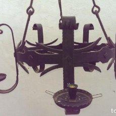 Antigüedades: ANTIGUA LAMPARA HIERRO FORJA VINTAGE IDEAL DECORACION CASA RURAL ESCAPARATE. Lote 149816122