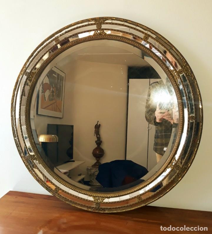 Antigüedades: Gran Espejo Antiguo Años 40. Posiblemente España o Francia. Con decoración en Latón. - Foto 3 - 149811750