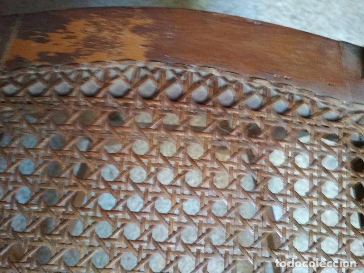 Antigüedades: 2 SILLAS REJILLA. RESPALDO LABRADO - Foto 17 - 77906925