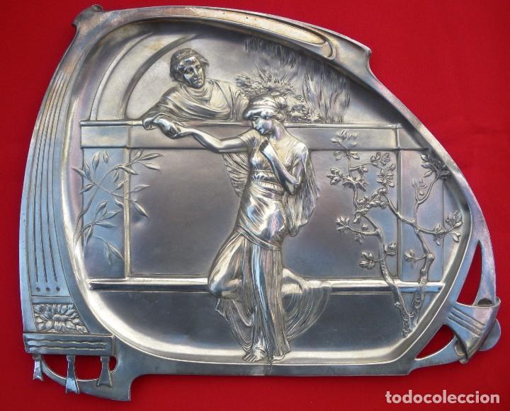 BANDEJA WMF. PIEZA Nº 280 DEL CATÁLOGO DE 1906 ART NOUVEAU CON MARCAJES (Antigüedades - Hogar y Decoración - Bandejas Antiguas)