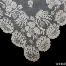 Antigüedades: ANTIGUA MANTILLA DE ENCAJE MANUAL - S. XIX. Lote 149860206
