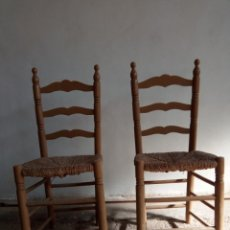 Antigüedades: PAREJA DE SILLAS ANDALUZAS. Lote 149886754
