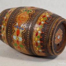 Antigüedades: BARRIL - TONEL PEQUEÑO DE ROBLE CON DIBUJOS. Lote 149911318