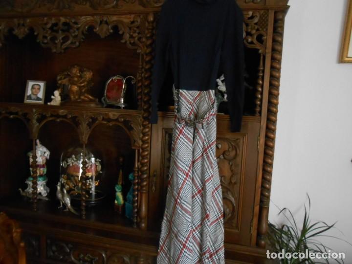 Antigüedades: VESTIDO ANTIGUO DE MUJER AÑOS SESENTA/SETENTA - Foto 2 - 149984538