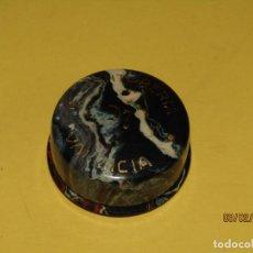 Antigüedades: ANTIGUA CAJITA POLVERA CON ESPEJO DE CELULOIDE PUBLICIDAD DE TINTORERIA COTO EN VALENCIA AÑO 1940S.. Lote 150032762
