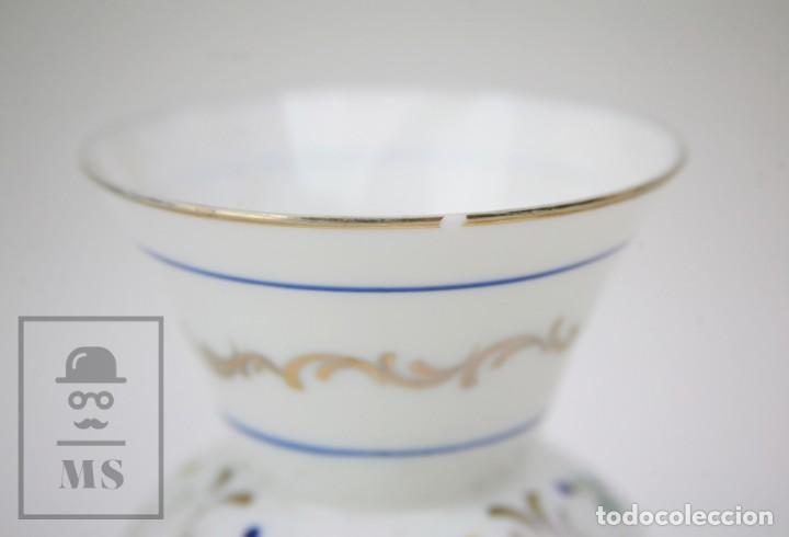 Antigüedades: Antiguo Jarrón de Vidrio Opalino / Opalina Pintado a Mano - Decoración Floral - Años 60-70 - Foto 4 - 150073542