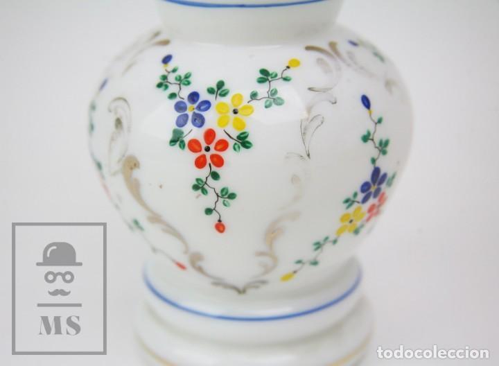 Antigüedades: Antiguo Jarrón de Vidrio Opalino / Opalina Pintado a Mano - Decoración Floral - Años 60-70 - Foto 5 - 150073542