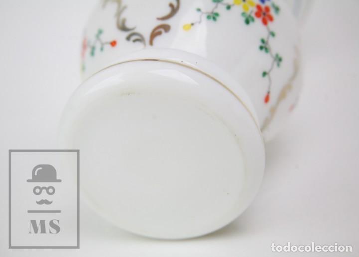 Antigüedades: Antiguo Jarrón de Vidrio Opalino / Opalina Pintado a Mano - Decoración Floral - Años 60-70 - Foto 7 - 150073542