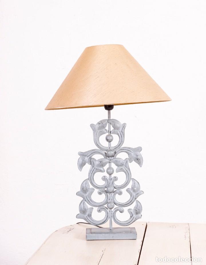 LÁMPARA DE SOBREMESA VINTAGE DE METAL (Antigüedades - Iluminación - Lámparas Antiguas)