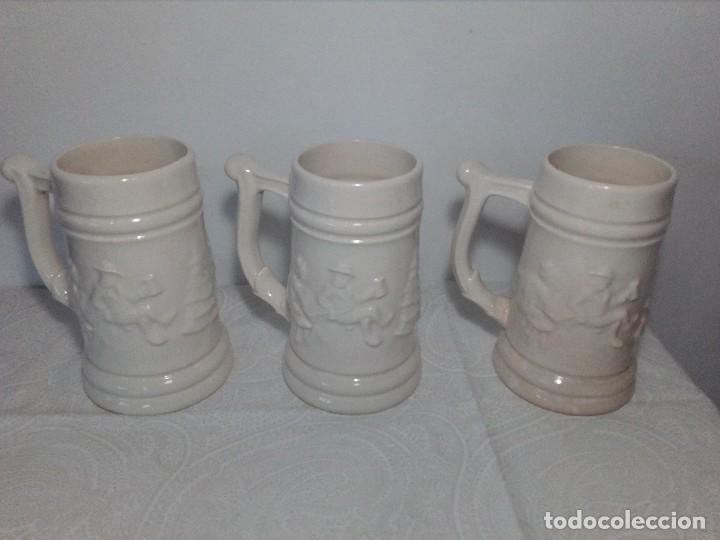 Antigüedades: 3 JARRAS DECORATIVAS DE CERVEZA DE CERÁMICA (PICKMAN S.A - LA CARTUJA - SEVILLA - Foto 5 - 150079938