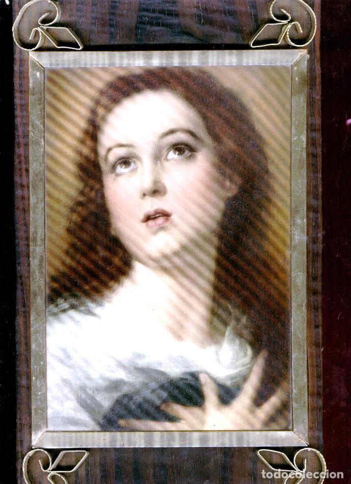 PRECIOSO CUADRO: LA VIRGEN INMACULADA DE MURILLO: LAMINA BARNIZADA SOBRE MADERA (Antigüedades - Religiosas - Varios)