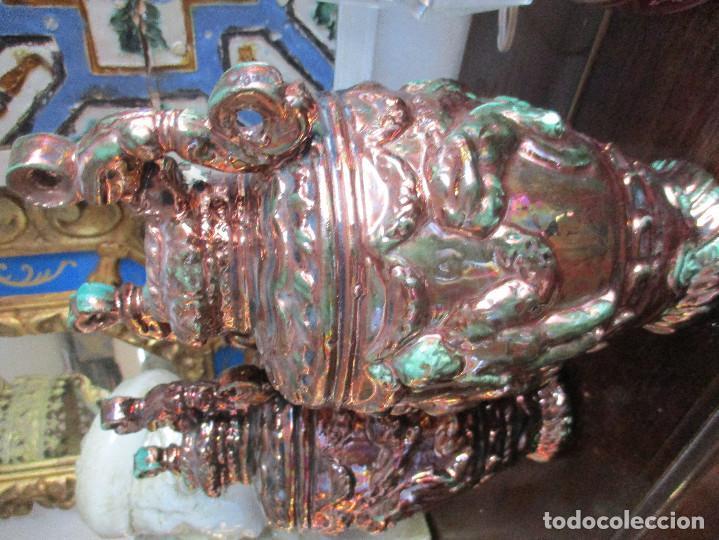 Antigüedades: Pareja de jarrones de reflejos (Triana) - Foto 7 - 150174518
