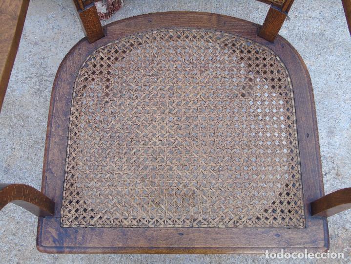 Antigüedades: ANTIGUO SILLÓN, SILLA CON BRAZOS. DE MADERA Y REJILLA. - Foto 5 - 150212478