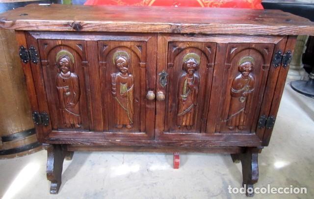 CONSOLA, TAQUILLON, APARADOR RUSTICO ANTIGUO TALLADO (Antigüedades - Muebles Antiguos - Aparadores Antiguos)