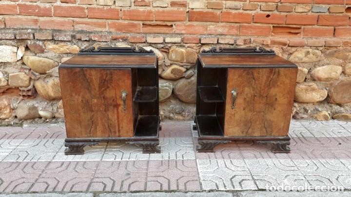 Antigüedades: Pareja de mesillas de noche antiguas estilo art decó. Dos mesitas de dormitorio antiguas vintage. - Foto 3 - 150288266