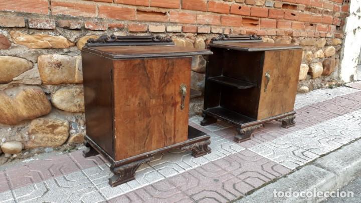 Antigüedades: Pareja de mesillas de noche antiguas estilo art decó. Dos mesitas de dormitorio antiguas vintage. - Foto 5 - 150288266