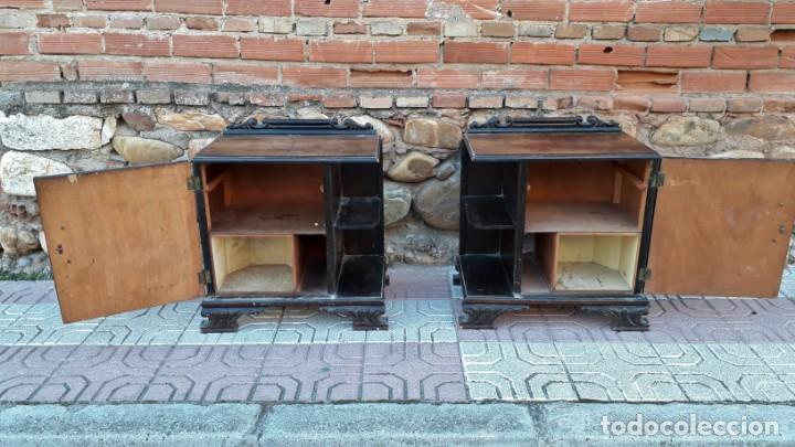 Antigüedades: Pareja de mesillas de noche antiguas estilo art decó. Dos mesitas de dormitorio antiguas vintage. - Foto 6 - 150288266