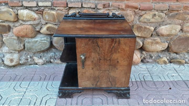 Antigüedades: Pareja de mesillas de noche antiguas estilo art decó. Dos mesitas de dormitorio antiguas vintage. - Foto 7 - 150288266