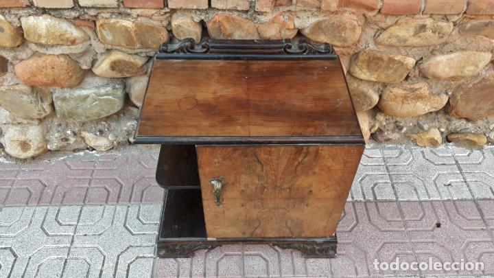 Antigüedades: Pareja de mesillas de noche antiguas estilo art decó. Dos mesitas de dormitorio antiguas vintage. - Foto 8 - 150288266