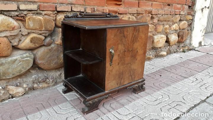 Antigüedades: Pareja de mesillas de noche antiguas estilo art decó. Dos mesitas de dormitorio antiguas vintage. - Foto 10 - 150288266