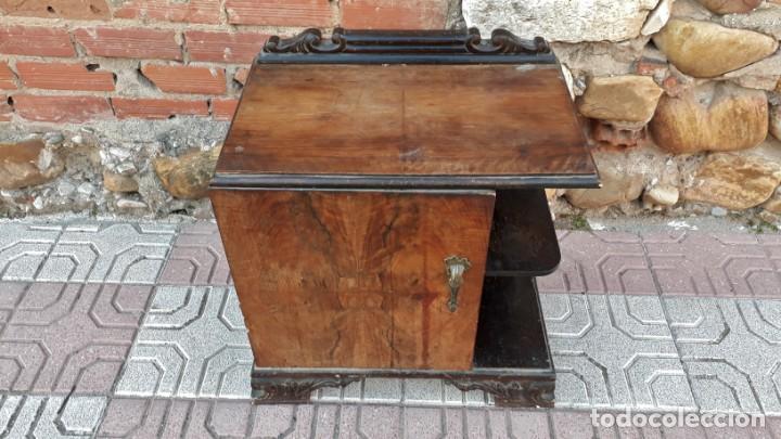 Antigüedades: Pareja de mesillas de noche antiguas estilo art decó. Dos mesitas de dormitorio antiguas vintage. - Foto 16 - 150288266
