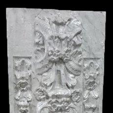 Antigüedades: ANTIGUA TABLA DE RETABLO. MOTIVOS ORNAMENTALES Y VEGATALES. MARMOLIZADA-NACAR.. Lote 139355282