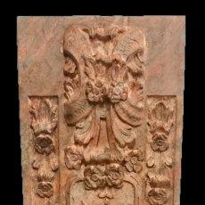 Antigüedades: ANTIGUA TABLA DE RETABLO ORNAMENTADA, MARMOLIZADA CON EFECTO TERRACOTA. PIEZA ESPECIAL. 173X55. Lote 144405110