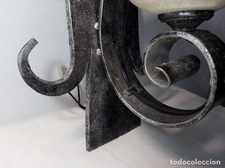 Antigüedades: LÁMPARA FAROL APLIQUE DE PARED DE HIERRO FORJADO CON CERÁMICA DE FLORES Y TULIPA - Foto 9 - 150312554