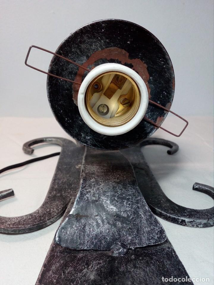 Antigüedades: LÁMPARA FAROL APLIQUE DE PARED DE HIERRO FORJADO CON CERÁMICA DE FLORES Y TULIPA - Foto 17 - 150312554