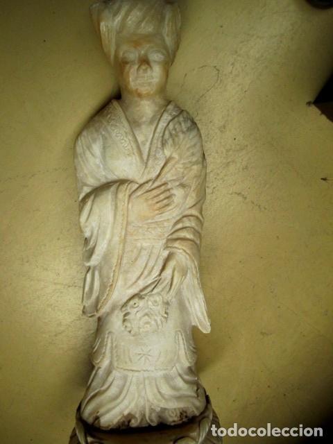 Antigüedades: Mesa de marmol antigua, el pie es una gueisa , la tapa tiene escenas de caza - Foto 5 - 150341506